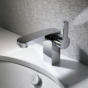 Contemporary Solid Brass Single Handle Bathroom Sink Tap Chrome Finish T0558