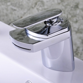 Single Handle Chrome Centerset Waterfall Bathroom Sink Tap (T0701)
