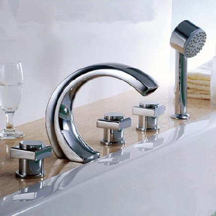 2016 New Chrome Finished Widespread Tub Tap with Hand Shower BT0450
